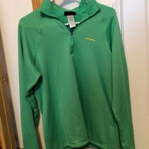 Green Patagonia pullover